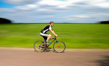 Fixed-Gear Bikes vs Road Bikes: What's the Difference?