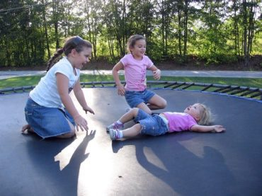 15 Fun Trampoline Games