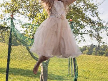 Trampoline Safety Guide: 9 Tips to Have Fun and Stay Safe