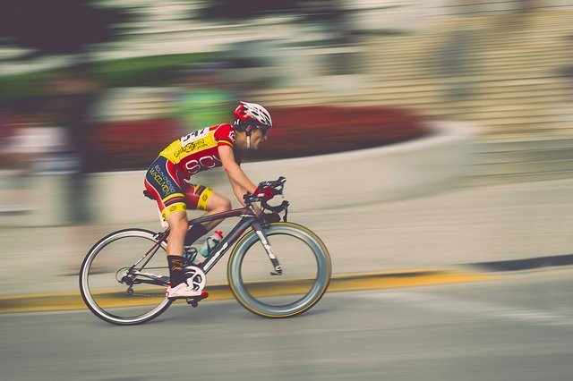What muscles does cycling work