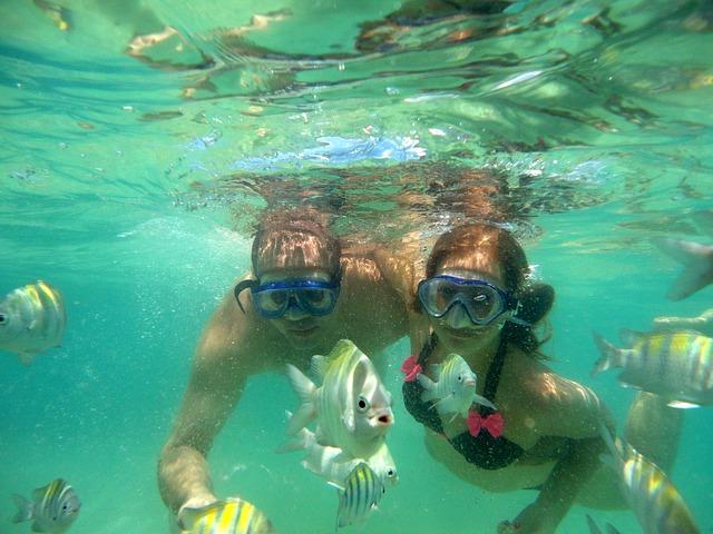 How to snorkel underwater